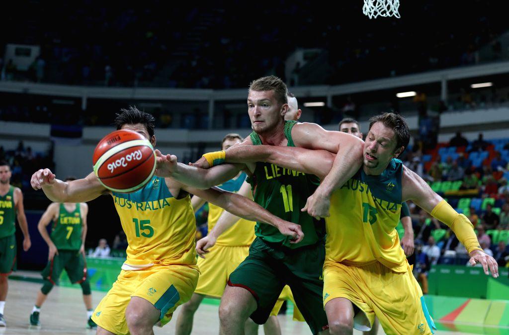 RIO DE JANEIRO, Aug. 17, 2016 - Domantas Sabonis (C) of Lithuania competes during the men's basketball quarterfinal between Australia and Lithuania at the 2016 Rio Olympic Games in Rio de Janeiro, ...