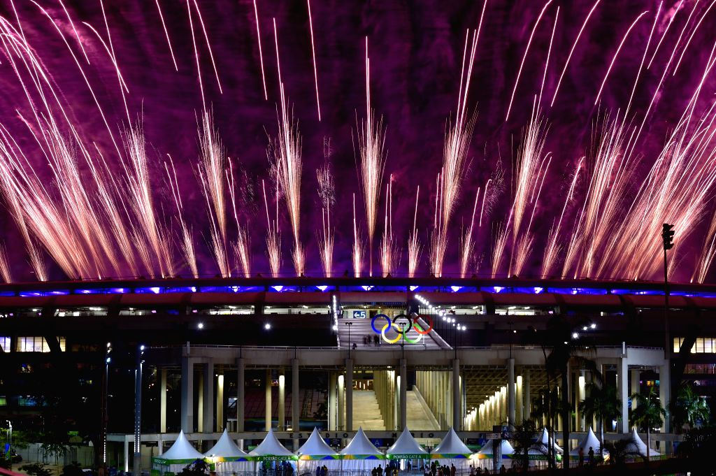 RIO DE JANEIRO, Fireworks explode over the Maracana Stadium during the opening ceremony of the 2016 Rio Olympic Games in Rio de Janeiro, Brazil, Aug. 5, 2016. (Xinhua/Yue Yuewei?(xr/IANS)