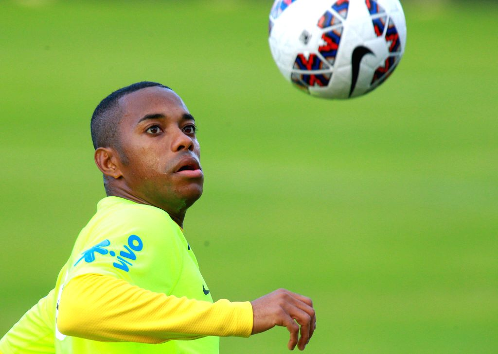 Rio de Janeiro, June 5 (IANS) Former Real Madrid and Manchester City forward Robinho has reaffirmed a wish to finish his career at Santos amid growing speculation that he will return to his original club.