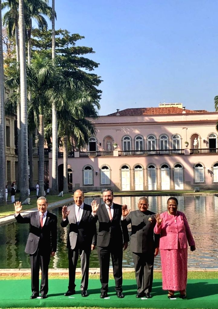 Rio de Janerio: Union MoS Road Transport and Highways V.K. Singh (Former Minister of State for External Affairs) with Foreign Ministers of China, Russia, Brazil and South Africa - Wang Yi, Sergei ... - K. Singh