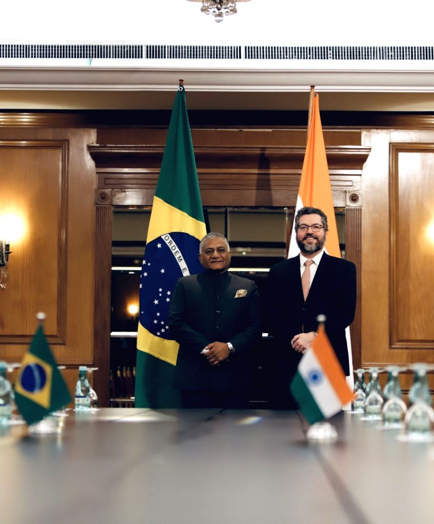 Rio de Janerio: Union MoS Road Transport and Highways V.K. Singh meets Brazil's Foreign Affairs Minister Ernesto Araujo in Rio de Janerio, Brazil on July 27, 2019. - Ernesto Araujo and K. Singh
