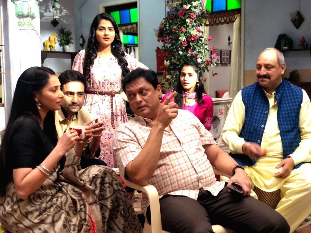 Rishina with IIM cast.