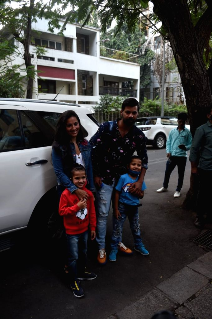 Riteish Deshmukh, Genelia D'souza, Shabbir Ahluwalia , Neelam Kothari & OTHERS Spotted At Ekta Kapoor's Son Birthday Party.(Ians:photo) - Riteish Deshmukh and Ekta Kapoor