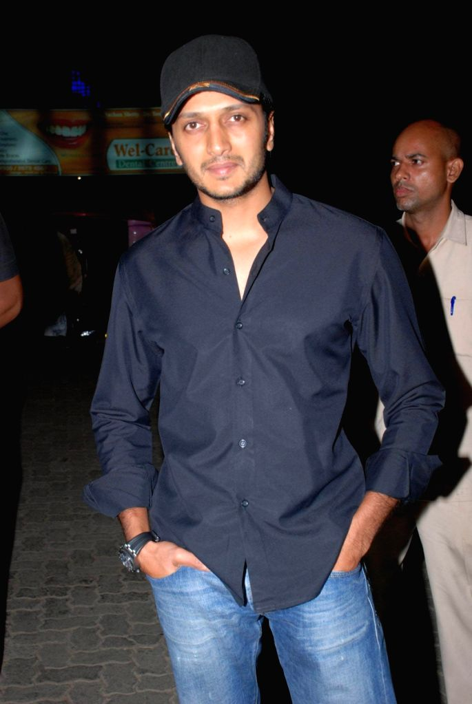 "Ritesh Deshmukh at the launch of Hakim's Aalim ""True Fitness"" Salon in Mumbai. - Ritesh Deshmukh"
