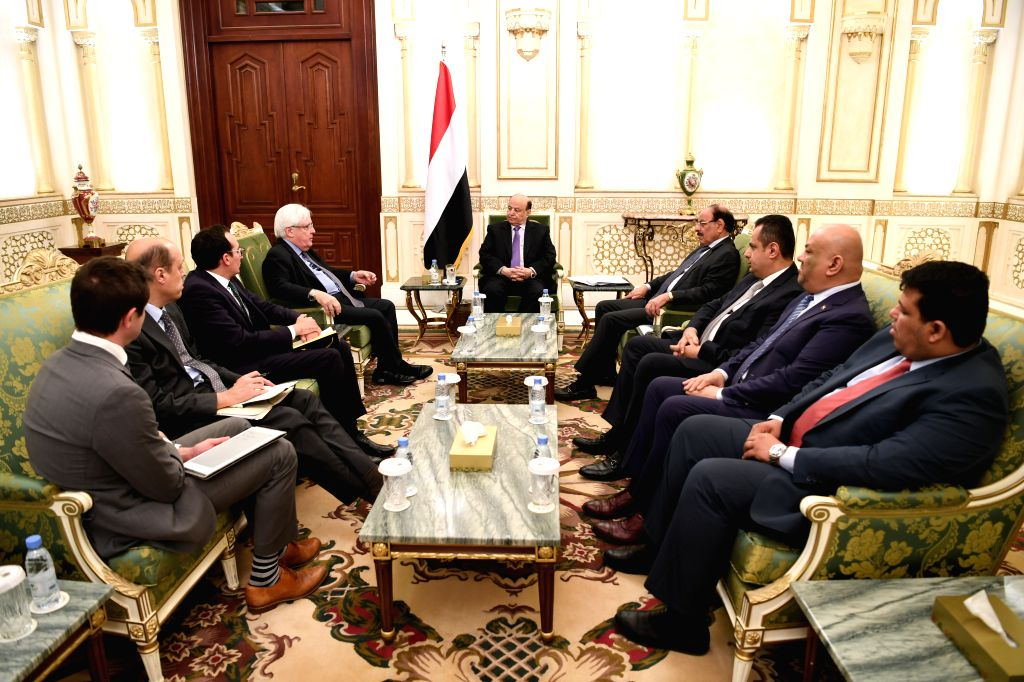 RIYADH, Feb. 12, 2019 - Yemen's internationally-backed President Abdu-Rabbu Mansour Hadi (C) meets with the UN special envoy Martin Griffiths (4th L) in Saudi Arabia's capital of Riyadh, on Feb. 12, ...
