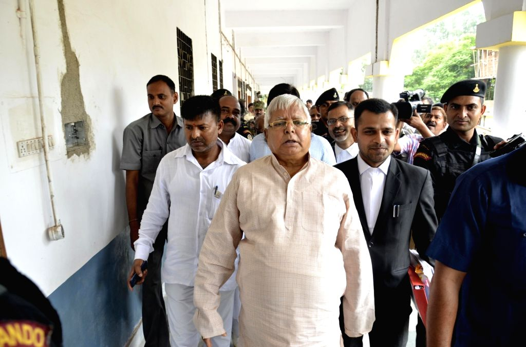 RJD chief Lalu Prasad Yadav arrives to appear before a special CBI court in Ranchi in connection with the multi-crore fodder scam case on Aug 4, 2017. - Lalu Prasad Yadav