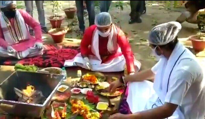 RJD leader Tej Pratap Yadav performs 'yagya'. - Tej Pratap Yadav