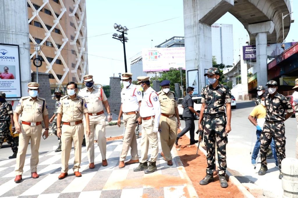 Roads go deserted as lockdown begins in Telangana