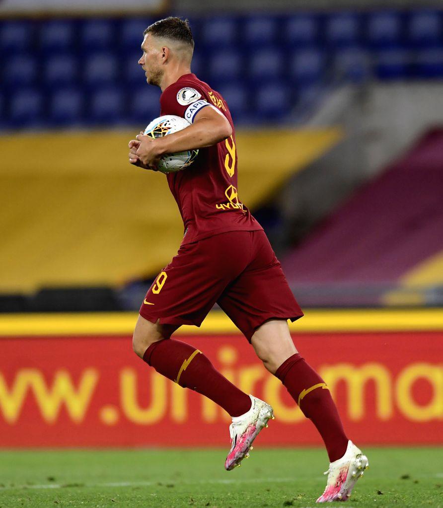 Roma's Edin Dzeko celebrates his goal during a Serie A football match between Roma and Sampdoria in Rome, Italy, June 24, 2020.