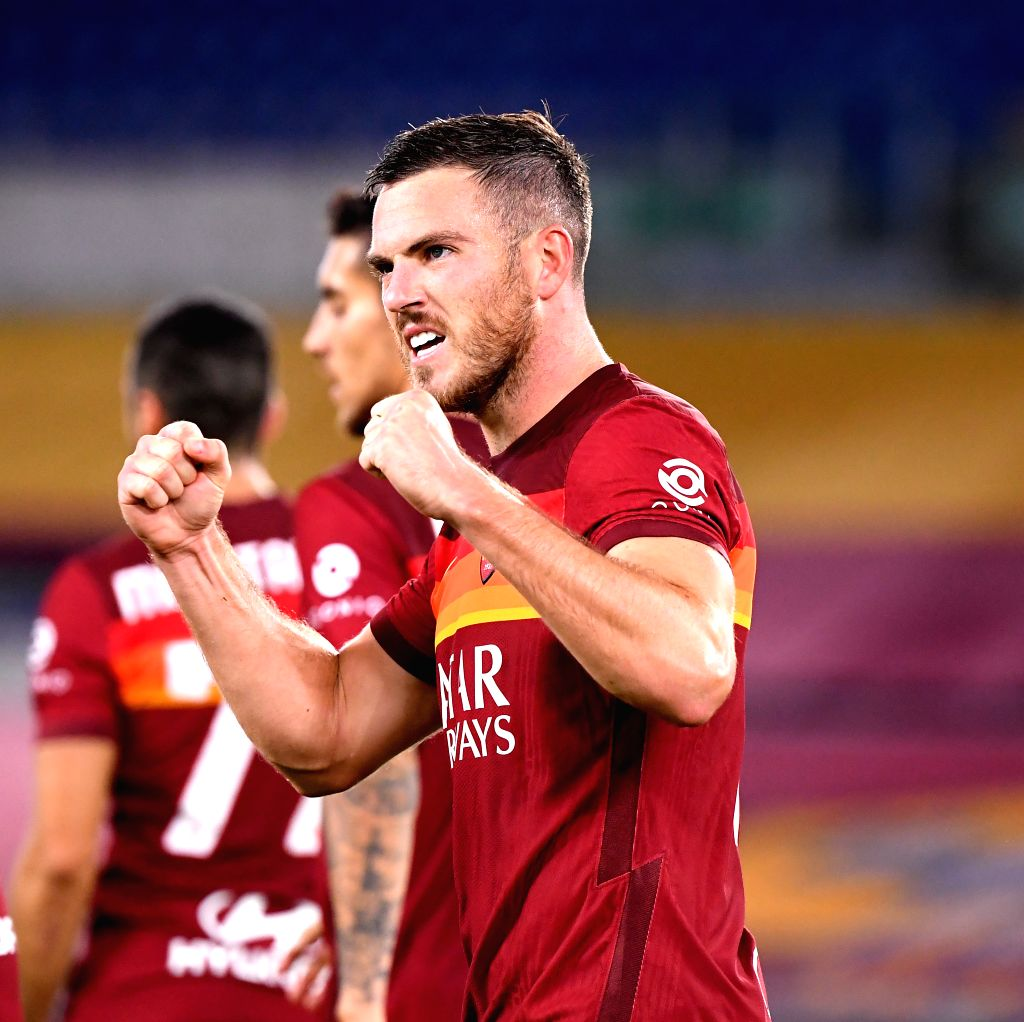 Roma's Jordan Veretout celebrates his goal during the 4th round Italian Serie A football match between Roma and Benevento in Rome, Italy, Oct. 18, 2020.