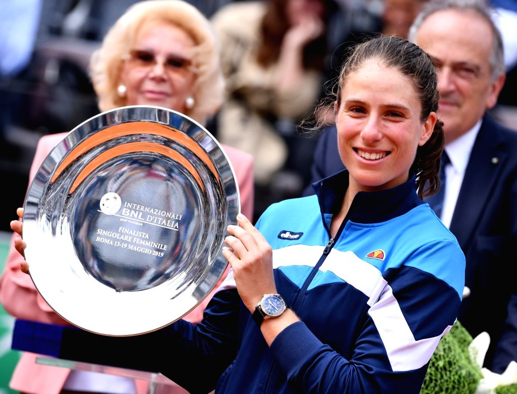 ROME, May 20, 2019 (Xinhua) -- Johanna Konta of Britain holds the second place trophy after the women's singles final match against the Czech Republic's Karolina Pliskova at the Italian Open Tennis tournament in Rome, Italy, May 19, 2019. Johanna Kon