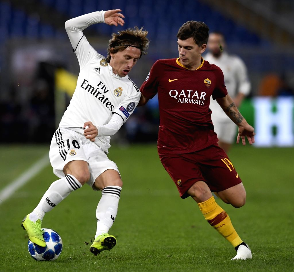 ROME, Nov. 28, 2018 - As Roma's Ante Coric (R) vies with Real Madrid's Luka Modric during a group G match of UEFA Champions League between Roma and Real Madrid, in Rome, Italy, Nov. 27, 2018. Real ...