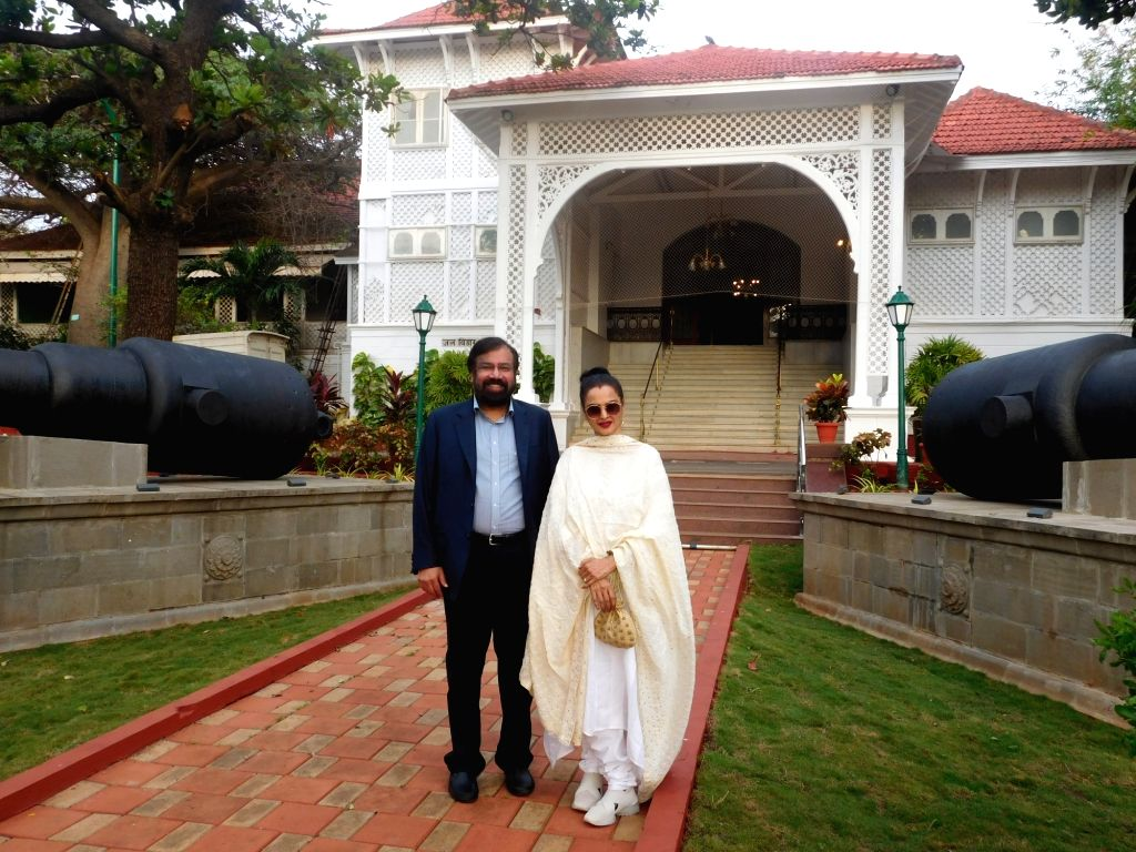 RPG Group Chairman Harsh Goenka and veteran actress Rekha during a private dinner with Maharashtra Governor C. V. Rao at Raj Bhavan in Mumbai. - Rekha, Goenka and C. V. Rao