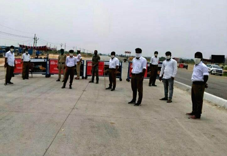 RSS men on checpoint near Hyderabad sparks row.