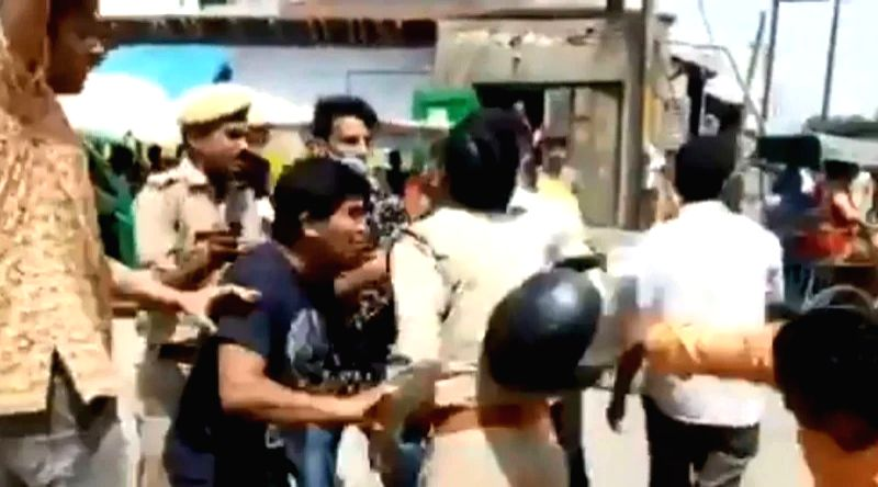 RSS-police clash: SSP promises probe in the incident.