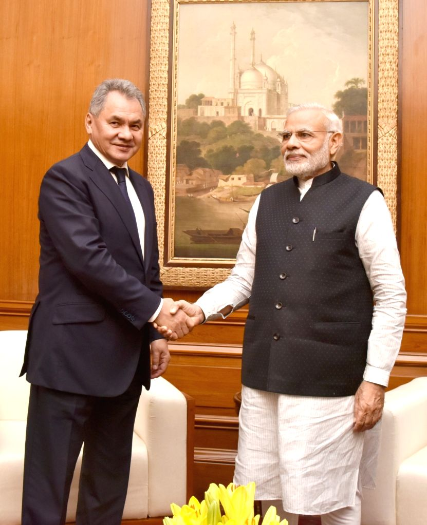 Russian Defence Minister Sergei Shoigu calls on Prime Minister Narendra Modi in New Delhi on Oct 26, 2016. - Sergei Shoigu and Narendra Modi