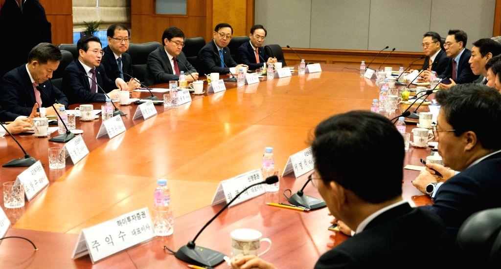 'S.Korea may face worst economic slump in Q2'