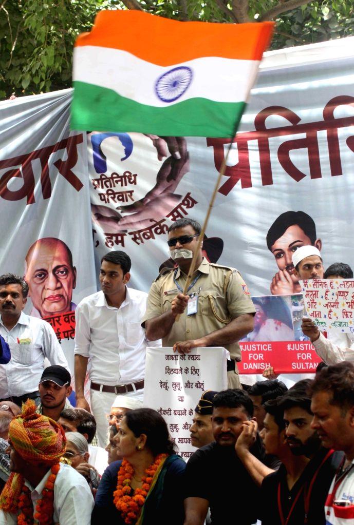 Sacked Border Security Force trooper Tej Bahadur Yadav addresses participates in a demonstration against Union Government at Jantar Mantar in New Delhi on May 15, 2017. - Tej Bahadur Yadav