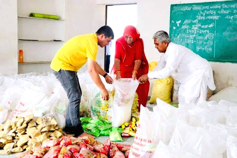 Sagar (Madhya Pradesh), May 26 (IANS) Thousands of people have benefitted from 'Sarokar Yojana launched by authorities in Sagar district in Madhya Pradesh to help people finding it difficult to arrange two square meals a day for their families due t