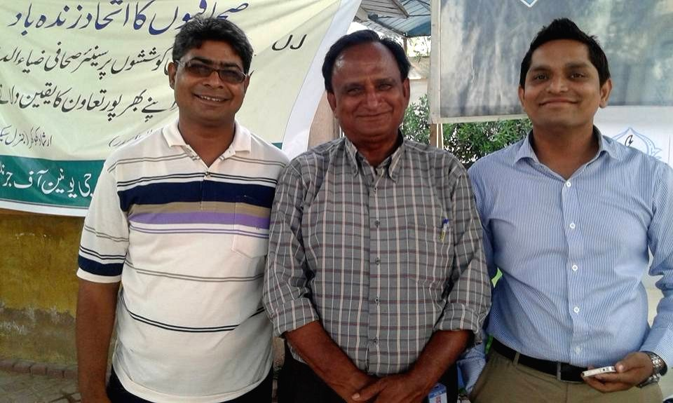 Sahib Khan Oad with other journalists - Khan Oad
