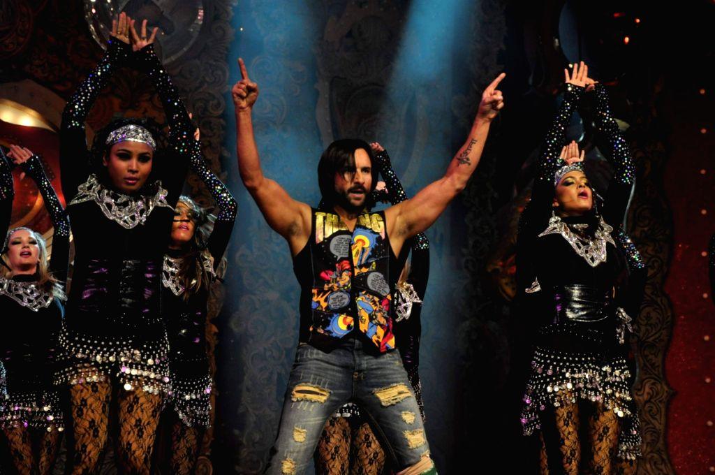 Saif Ali Khan performs at Stardust Awards 2010 in Mumbai. - Saif Ali Khan