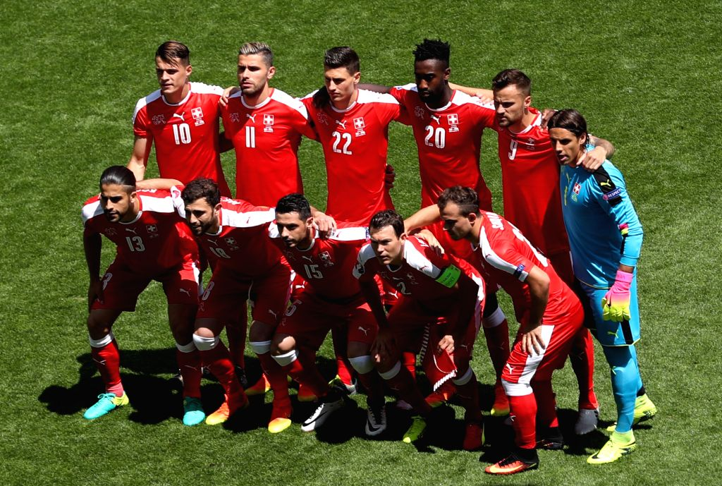 SAINT-Switzerland's players pose for photo before the Euro 2016 round of sixteen football match between Switzerland and Poland in Saint-Etienne on June 25, 2016.