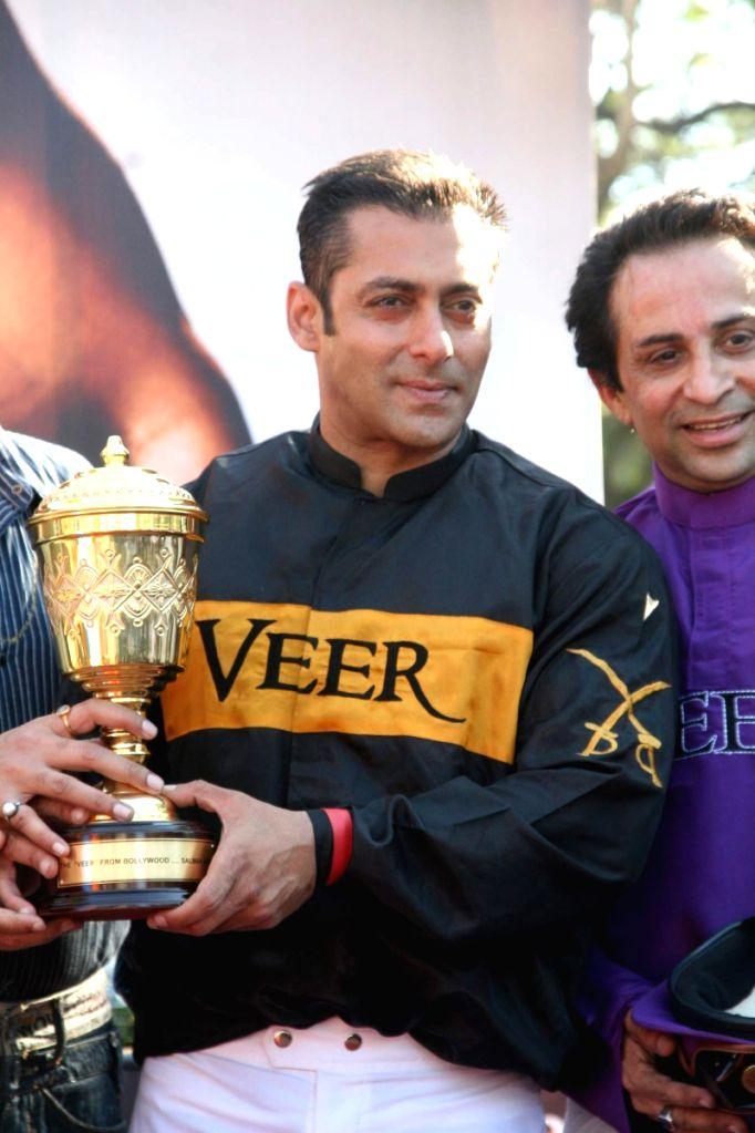 Salman Khan at Hello Million race in Mumbai.