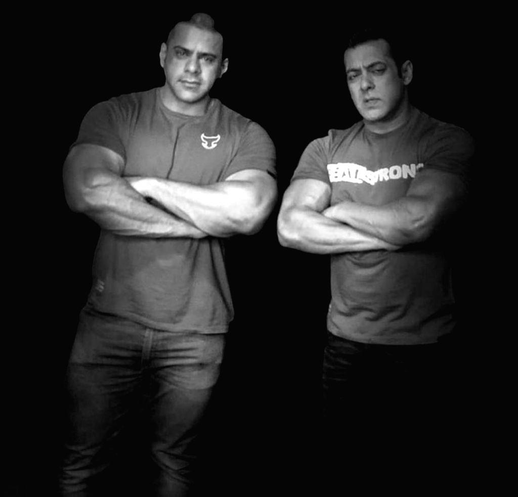 Salman Khan's nephew Abdullah Khan no more. - Salman Khan and Abdullah Khan