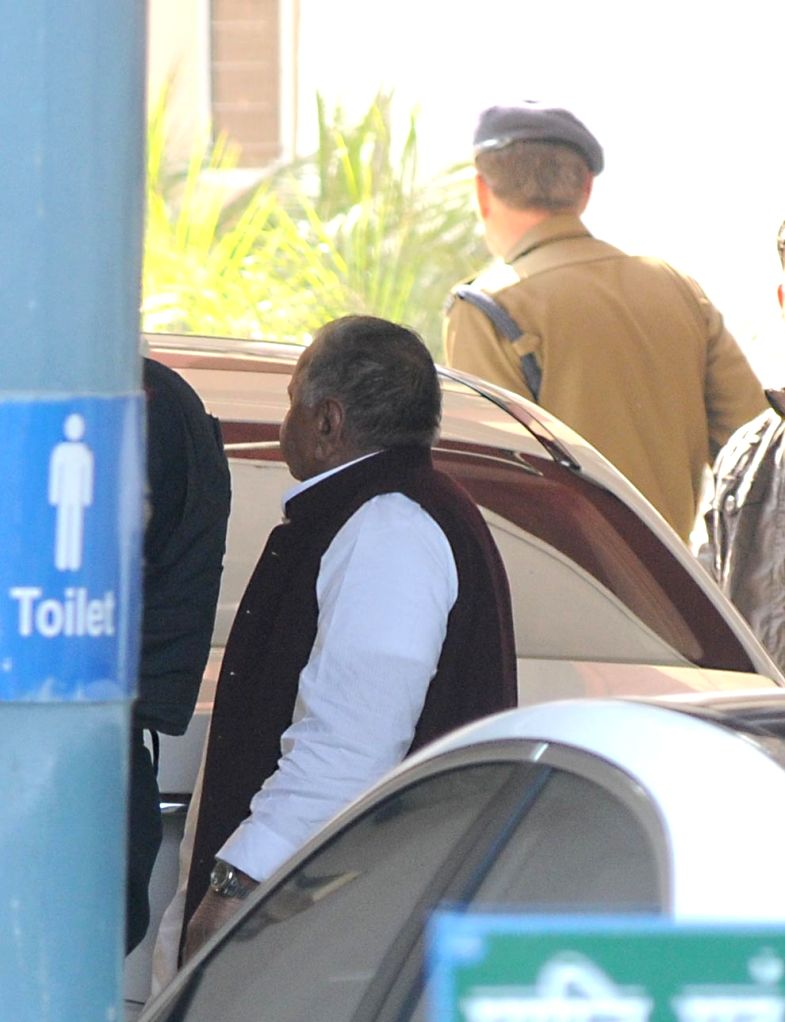 "Samajwadi Party chief Mulayam Singh Yadav at the election commission for retaining the symbol of ""bicycle"", in New Delhi, on Jan 13, 2017. - Mulayam Singh Yadav"