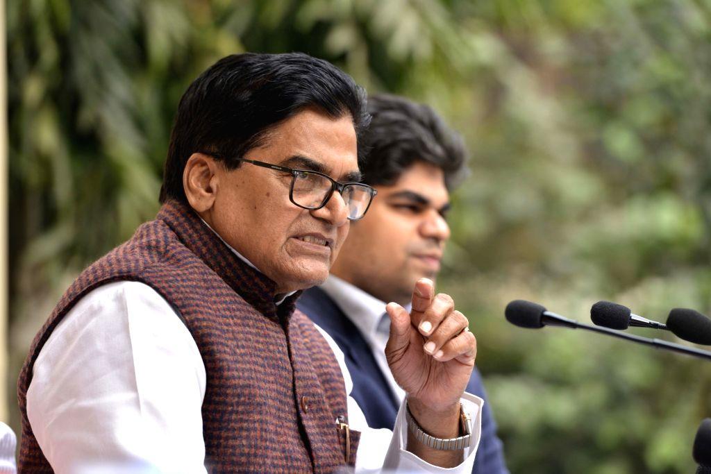Samajwadi Party leader Ramgopal Yadav addresses a press conference in New Delhi on Dec 5, 2017. - Ramgopal Yadav