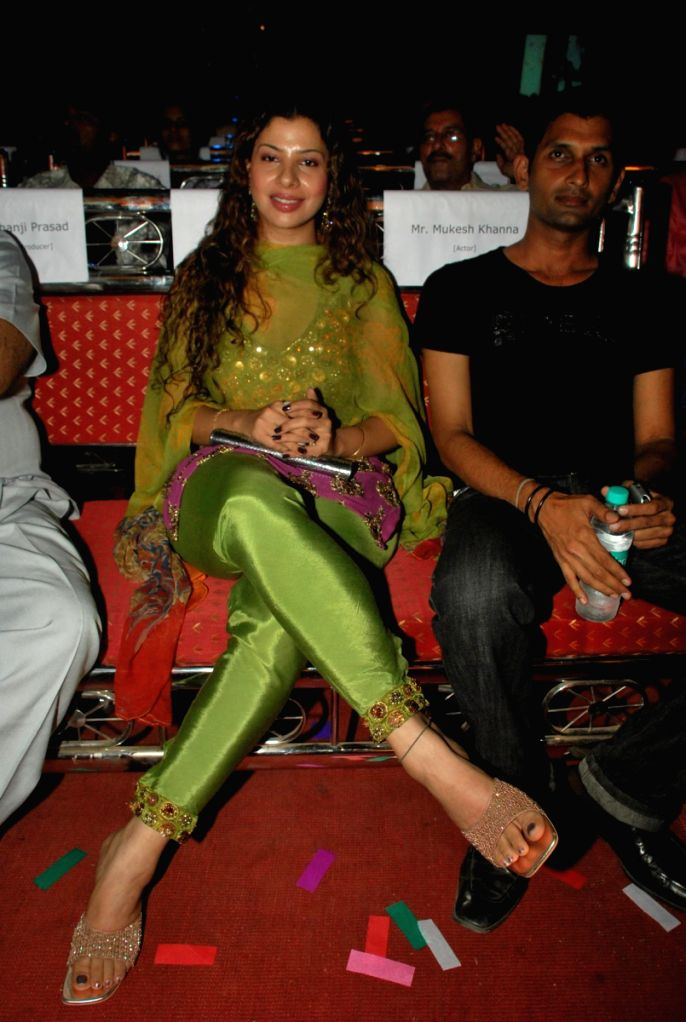 Sambhavna Seth at Bhojpuri awards at Goregaon sports club. - Sambhavna Seth