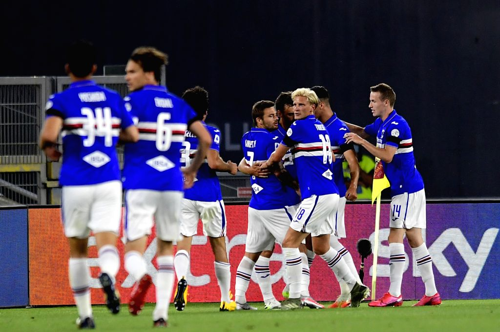 Sampdoria's Manolo Gabbiadini celebrates his goal with his teammates during a Serie A football match between Roma and Sampdoria in Rome, Italy, June 24, 2020.