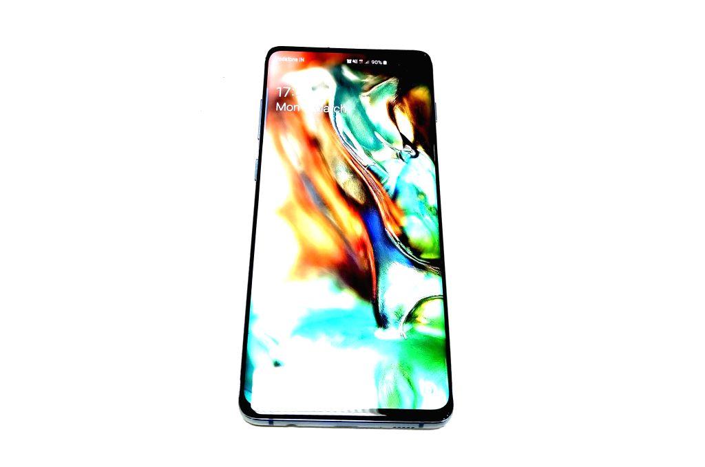 Samsung Galaxy S10+.