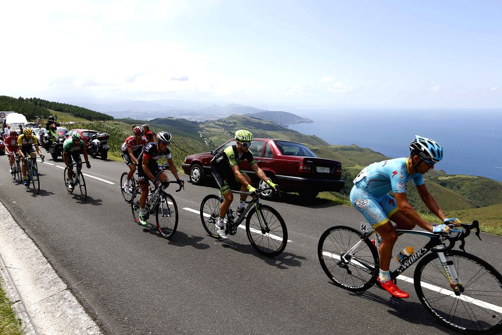 San Sebastian:Cyclists take part in the 35th edition of the Clasica de San Sebastian held at San Sebastian, Spain, on 01 August 2015. EFE/Javier Etxezarreta