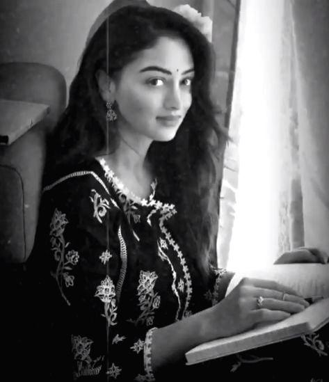 Sandeepa Dhar revisits the 60s.