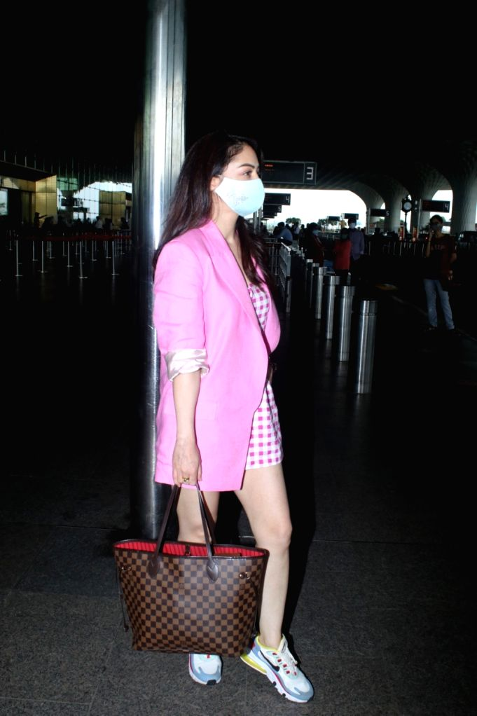 Sandeepa Dhar Spotted at Airport Departure on Friday June 25, 2021.