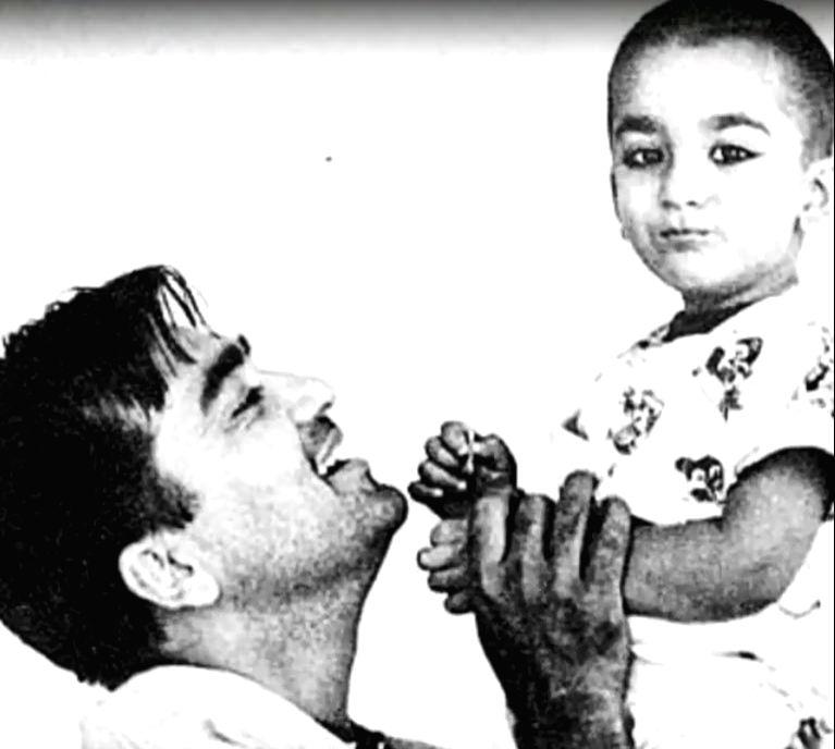 Sanjay Dutt remembers dad Sunil Dutt on 15th death anniversary. - Sanjay Dutt and Sunil Dutt