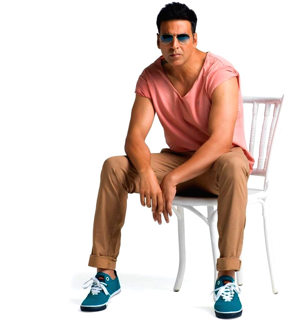 Sanjay Gupta wants rights of Sonu Sood biopic starring Akshay Kumar!. - Sanjay Gupta and Akshay Kumar
