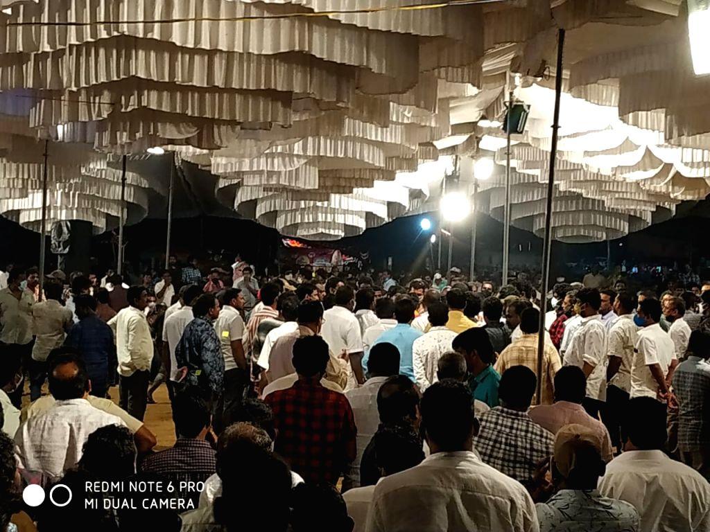 Sankranti cockfights go unabated despite curbs in Andhra