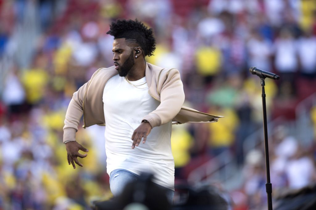 SANTA CLARA, June 4, 2016 (Xinhua) -- Singer Jason Derulo performs during the opening ceremony of Copa America Centenario games at the Levi's Stadium in Santa Clara, California, the United States, June 3, 2016. (Xinhua/Yang Lei/IANS)
