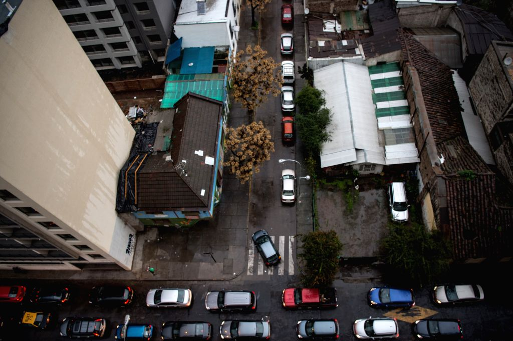 SANTIAGO, July 25, 2016 - Photo taken on July 25, 2016 shows the birdview of a street in Santiago, capital of Chile, after a 4.8 magnitude earthquake on the Richter Scale jolted central Chile, ...