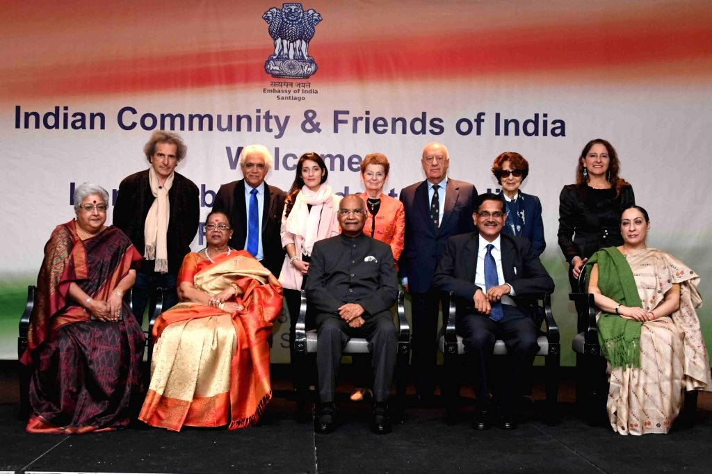 Santiago: President Ram Nath Kovind with the Indian community during a reception organised for him, in Santiago, Chile, on March 31, 2019. - Nath Kovind