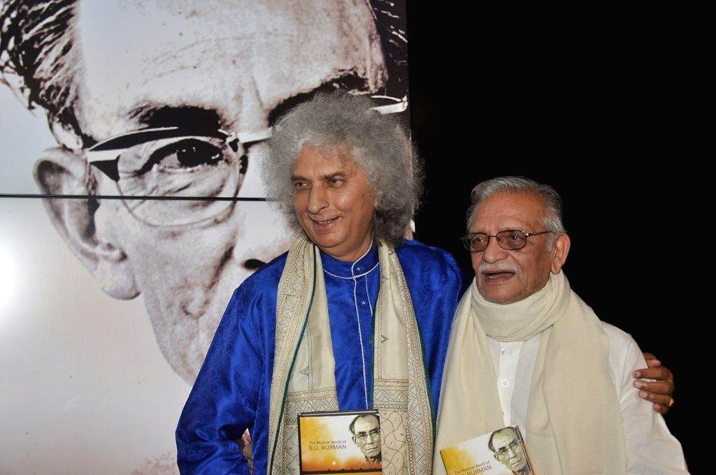 Santoor player Pandit Shiv Kumar Sharma and lyricist Gulzar during the book launch `Sun Mere Bandhu Re-The Musical World of S D Burman` by Sathya Saran in Mumbai, on August 8, 2014.