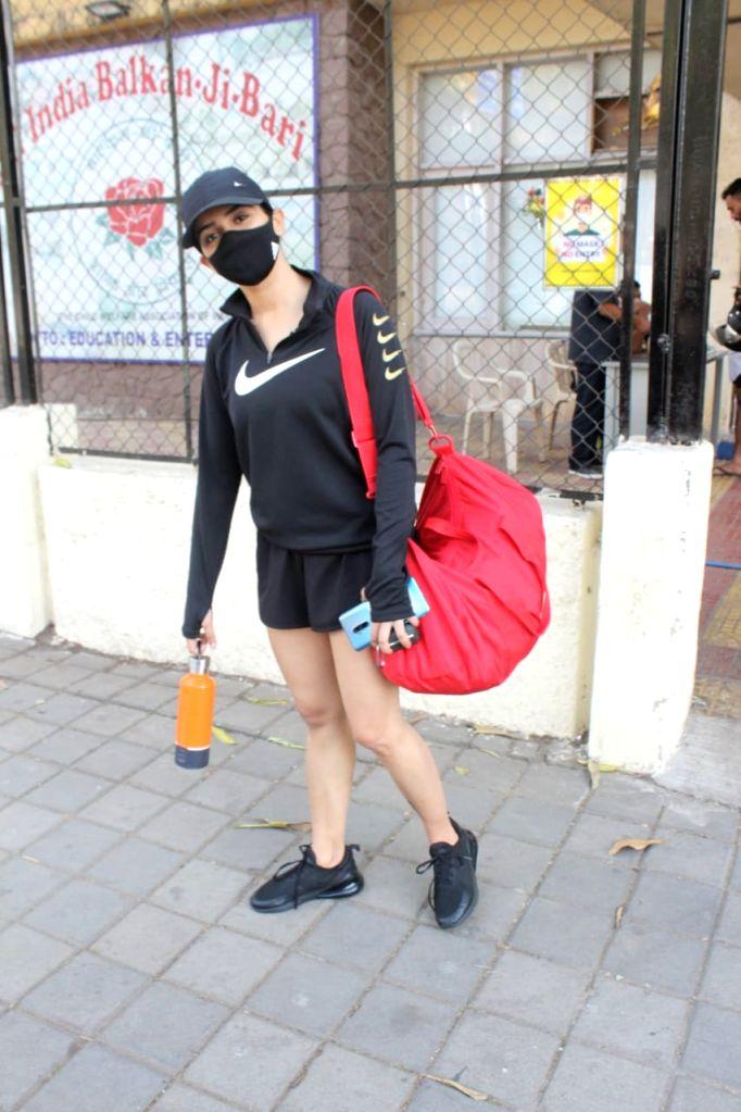 Sanya Malhotra Spotted Gym Juhu on Monday,25 Jan 2021