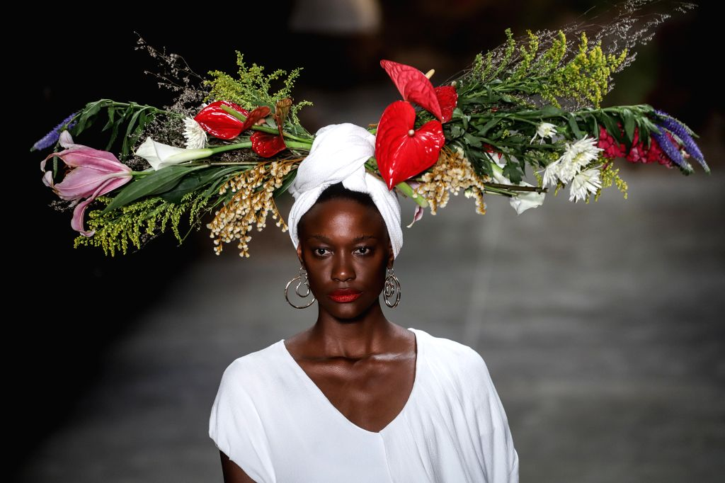 """SAO PAULO, Oct. 17, 2019 - A model presents a creation of """"Angela Brito"""" collection during the Sao Paulo Fashion Week (SPFW)  in Sao Paulo, Brazil, on Oct. 16, 2019."""