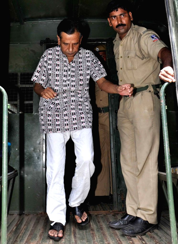 Saradha chit fund scam kingpin Sudipto Sen being produced at Bidhannagar Court in connection with the multi-crore-rupee Sardha chit fund scam in Kolkata, on Aug 10, 2015.