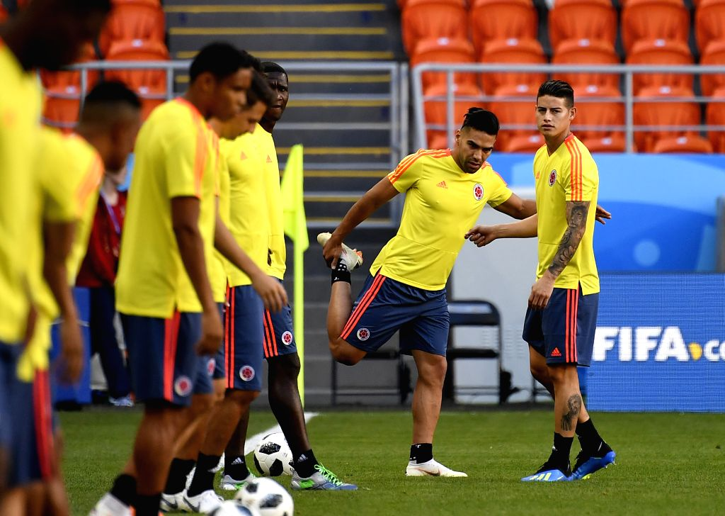 SARANSK, June 18, 2018 - Colombia's James Rodriguez (1st R) and Radamel Falcao (2nd R) attend a training session prior to a group H match against Japan at the 2018 FIFA World Cup in Saransk, Russia, ...