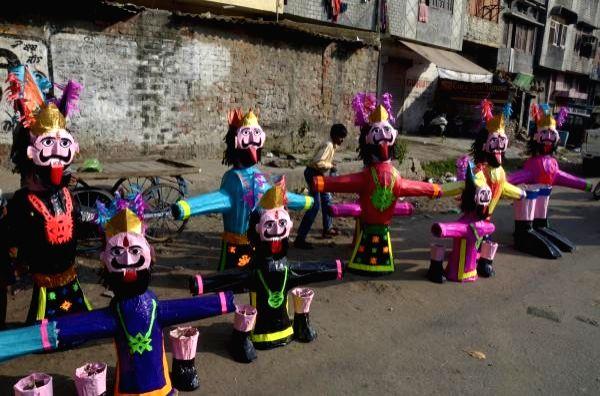 Saraswat Brahmins want ban on burning of Ravan's effigies.