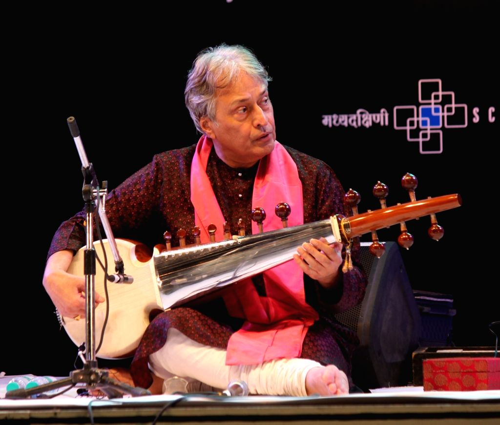 Sarod maestro Ustad Amjad Ali Khan performs during Dr. Vasantrao Deshpande Antar Rashtriya Sangeet Samaroh in Nagpur on Aug 3, 2016.
