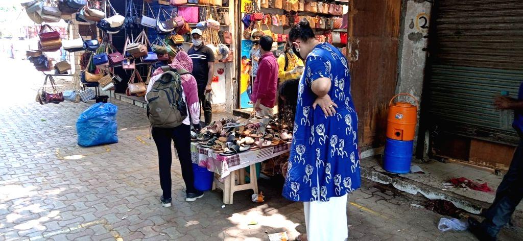 Sarojini Nagar market open today after 48 days lockdown in New Delhi on Monday 07 June, 2021.